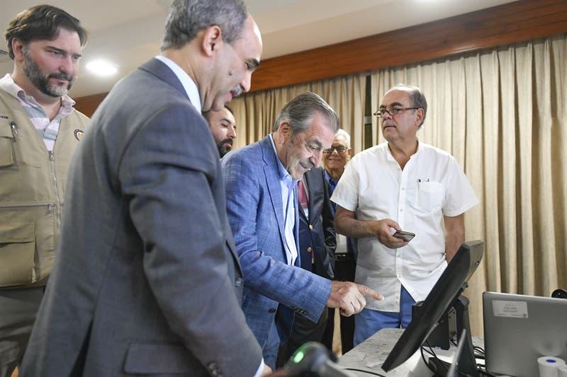 JCE presenta el Voto Automatizado a misión de observadores de la OEA
