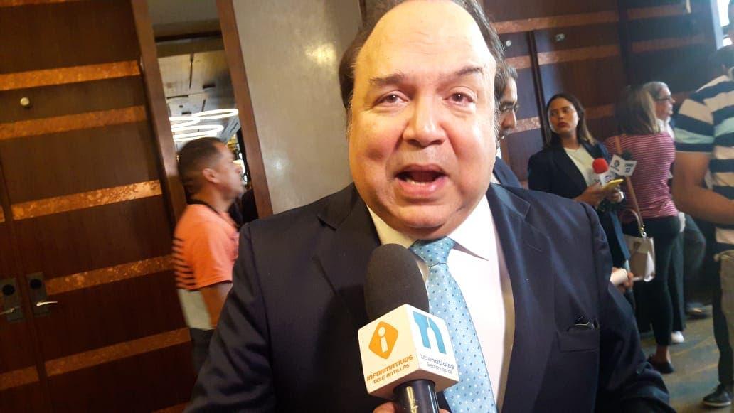 Vinicito critica Danilo no participe en discurso toma de posesión de Abinader