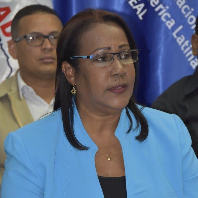 Xiomara Guante desmiente se aprobara retorno a clases para este año escolar