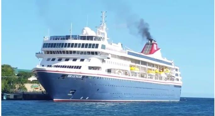 Buque crucero con pasajeros con síntomas de coronavirus zarpó del puerto de La Romana
