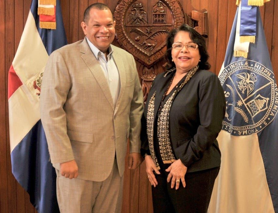 Carlos Guzmán planifica con Emma Polanco extensión UASD en Santo Domingo Norte