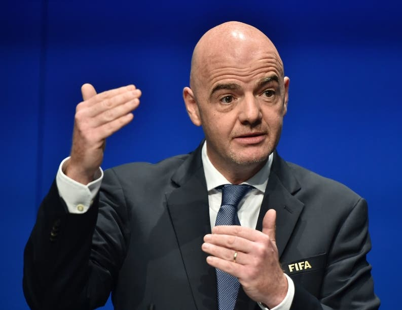 FIFA obligará cumplir contratos a jugadores