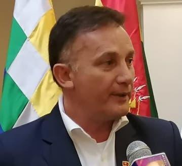 Destituyen el ministro de Defensa del país