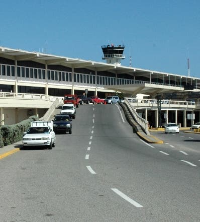 Comisión determina no existe obligación de pago de aeropuertos a favor del CESAC