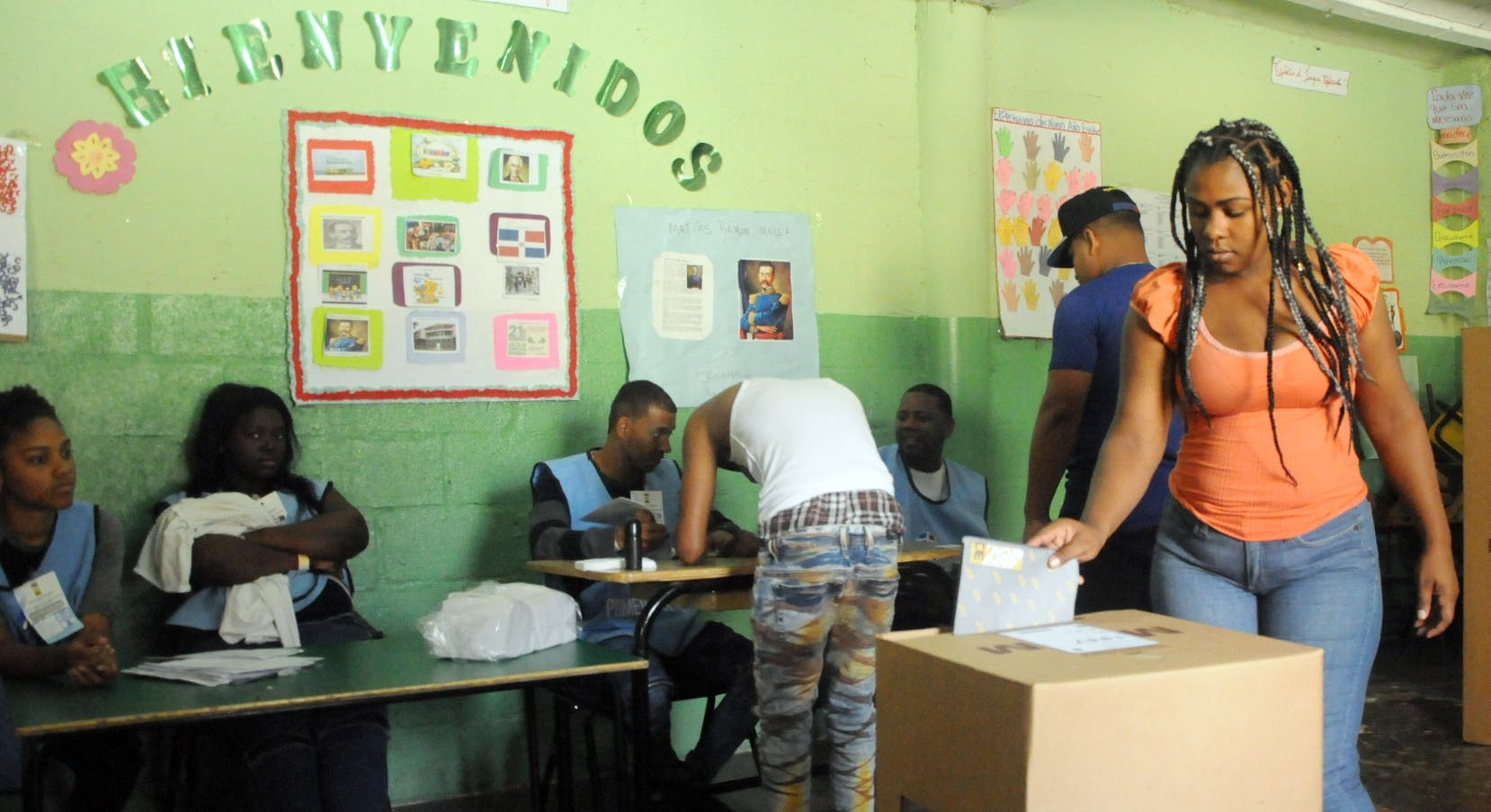 Observadores internacionales afirman proceso electoral fue transparente y limpio