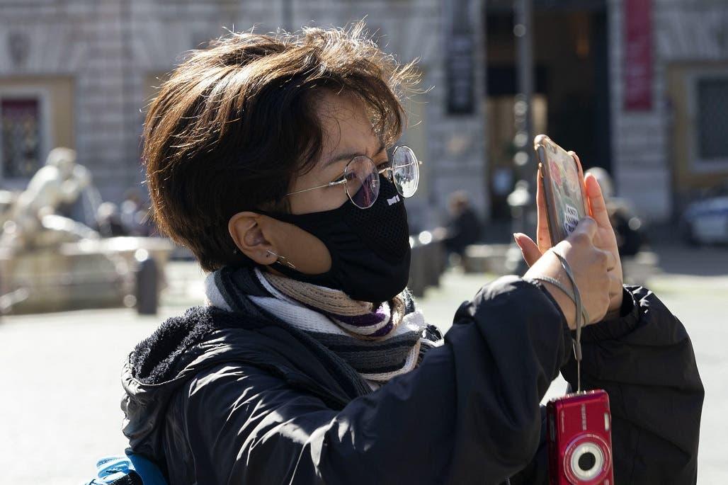 COVID-19 baja en China; preocupan Surcorea, Italia e Irán