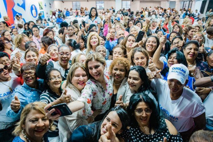Carolina Mejía destaca cualidades y talento de la mujer   El Día