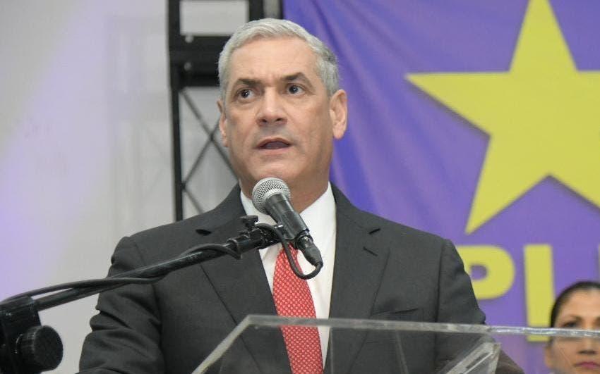 Gonzalo Castillo suspende actividades de masas para evitar propagación coronavirus