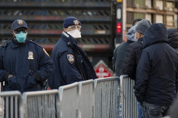 Sindicato policial neoyorquino presenta demanda para frenar orden de vacunas