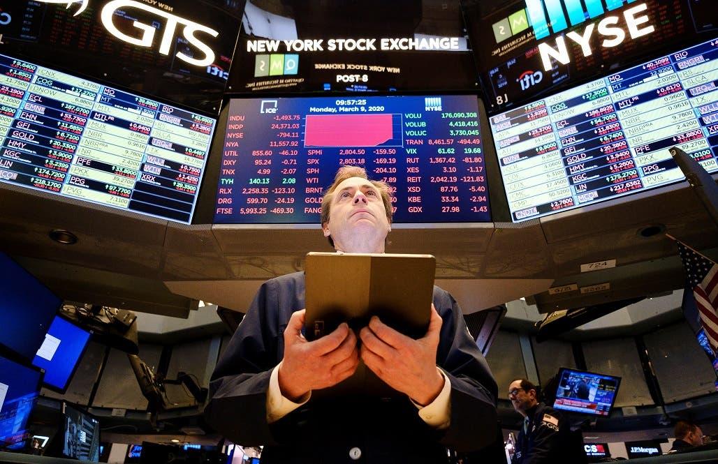 «Lunes negro» en Wall Street por el coronavirus y el desplome del crudo