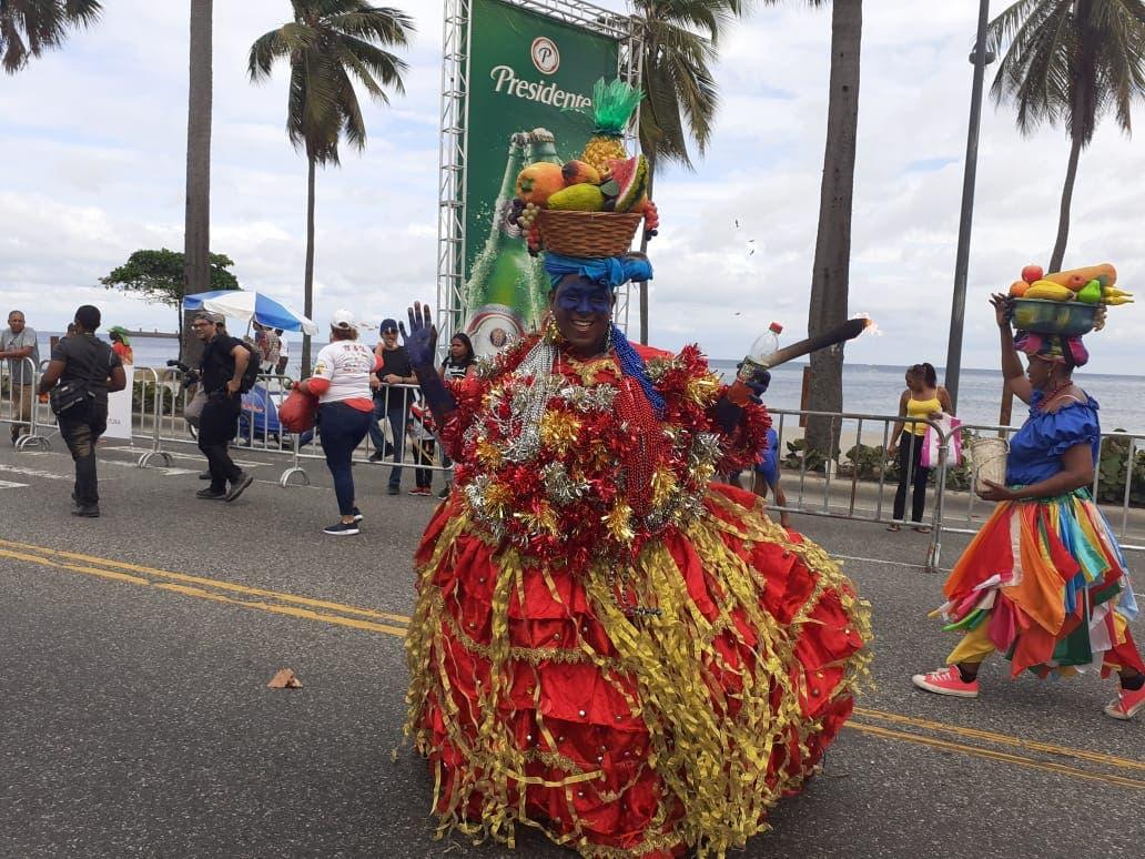 Colores, fantasía e imágenes predominaron hoy en el Desfile Nacional de Carnaval 2020