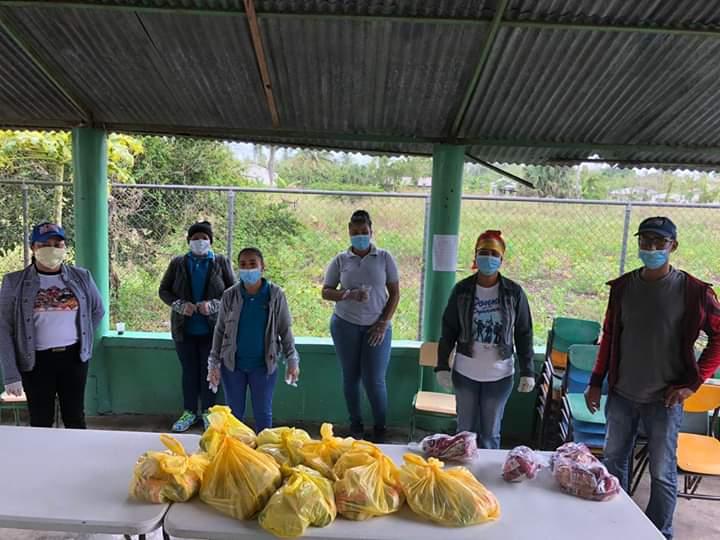 Educación garantiza pago a suplidores escolares para continuar entrega de kits alimenticios