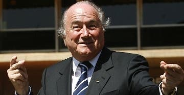 Fiscales retiran  dos cargos en contra Blatter