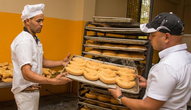 Panaderías contemplan cerrar por limitación transporte y personal