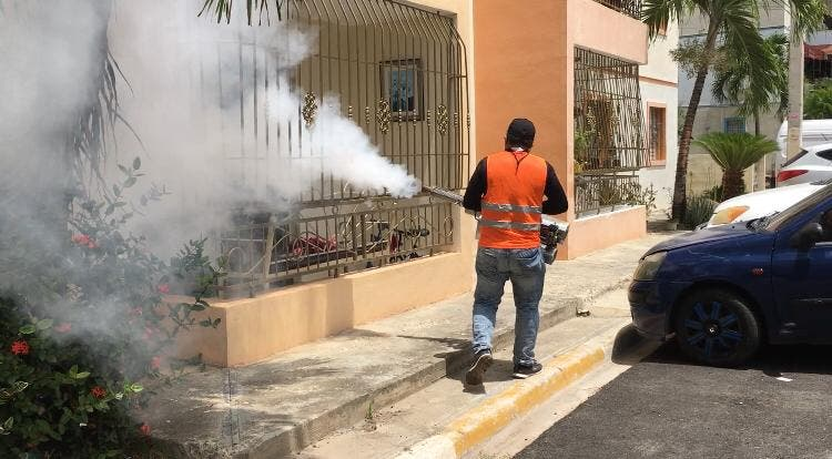 Villa Progreso del Este realiza  jornadas fumigación y desinfección por COVID-19