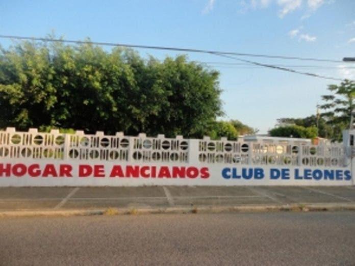 Los 33 ancianos del asilo de Cotuí regresan al albergue