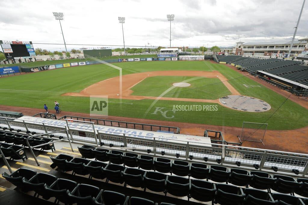 Peloteros rechazan recorte salarial por jugar sin público