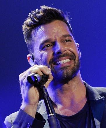 Ricky Martin envía equipos de protección a  Dominicana