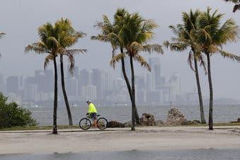 Virus complica planes para temporada de huracanes en Estados Unidos