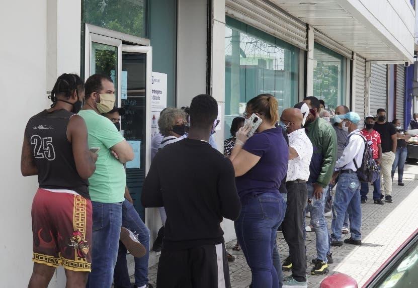Bancos extienden horario de servicio