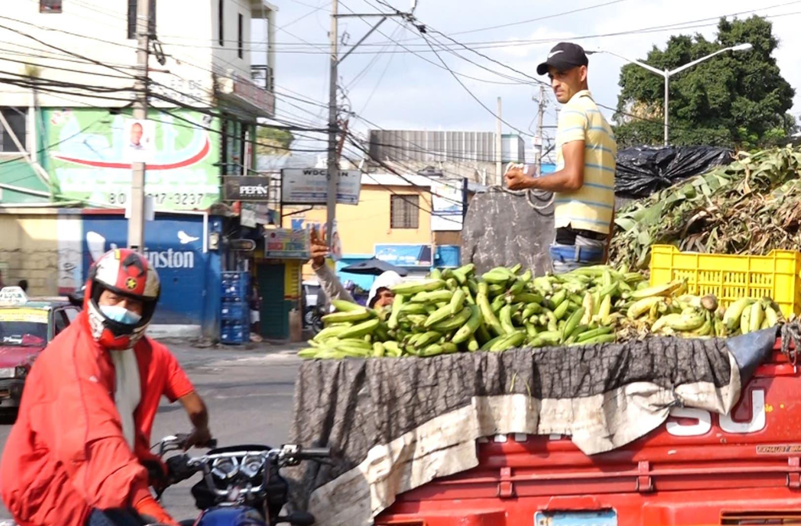 Ventas en redes y calles, alternativas para agricultores