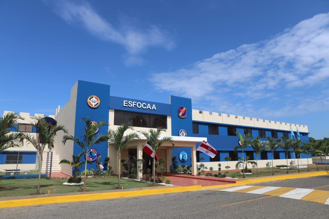 FARD inaugura nueva escuela de formación aeronáutica