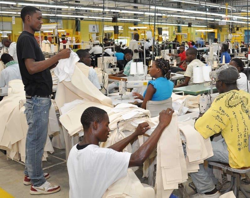 Crédito sector privado expande cerca de 14%