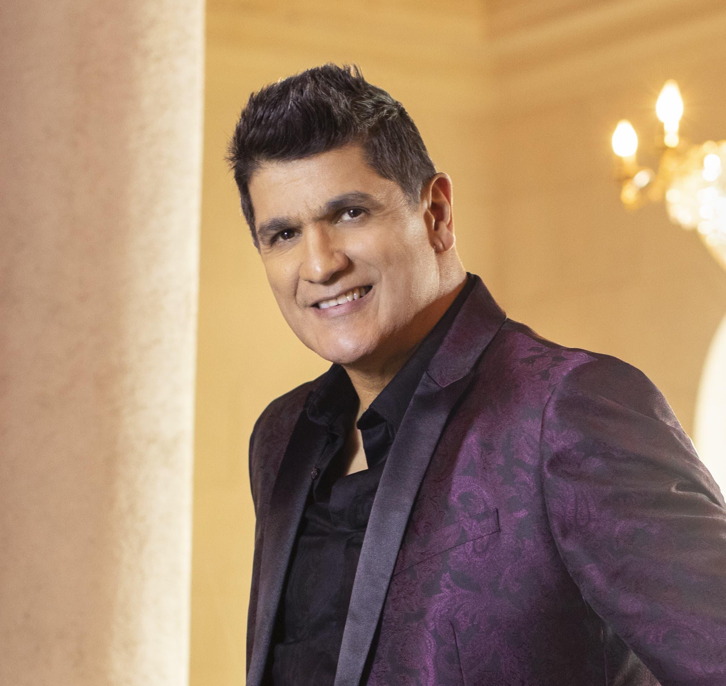 Eddy Herrera recibe su Latin Grammy