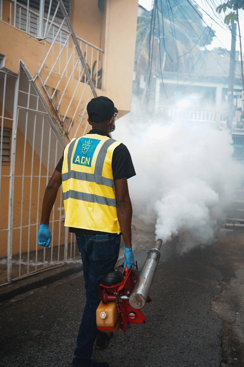Alcaldía del Distrito Nacional continúa operativos de desinfección y limpieza en sectores