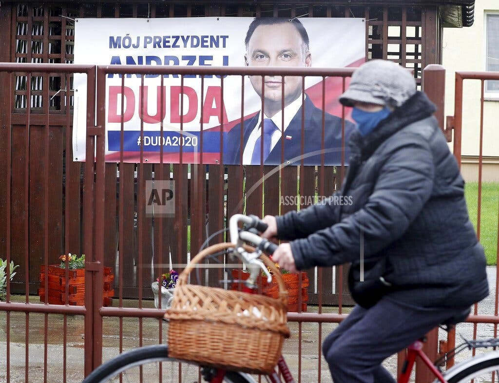 Polonia: Coalición gobernante acuerda posponer elecciones