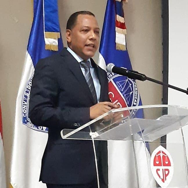 Jefe de la UASD promueve la concertación como la mejor circunstancia de acelerar de la arranque por el COVID-19 | El Día