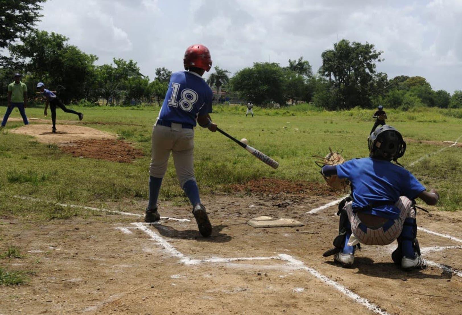FBI investiga a MLB por firmas niños 12 años RD