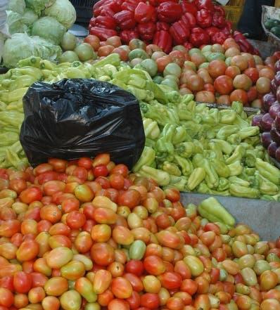 Comerciantes denuncian alzas en precios principales productos agropecuarios