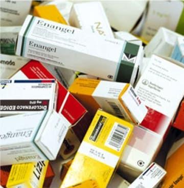 Dos farmacias clausuradas y dueños presos