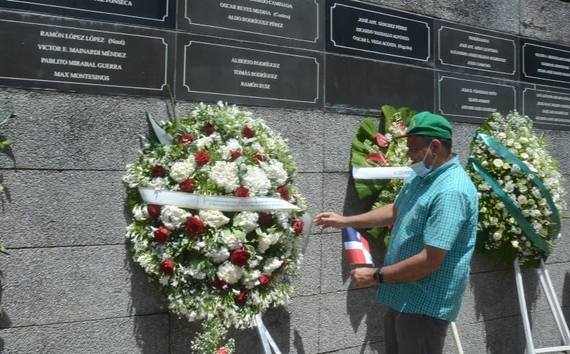 Organizaciones rinden homenaje a héroes expedición 14 de junio