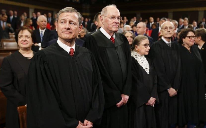 """Corte Suprema de EU ofrece protección a los """"soñadores"""""""