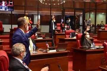 Senado declara de urgencia y aprueba reforma de ley de presupuesto complementario del Estado