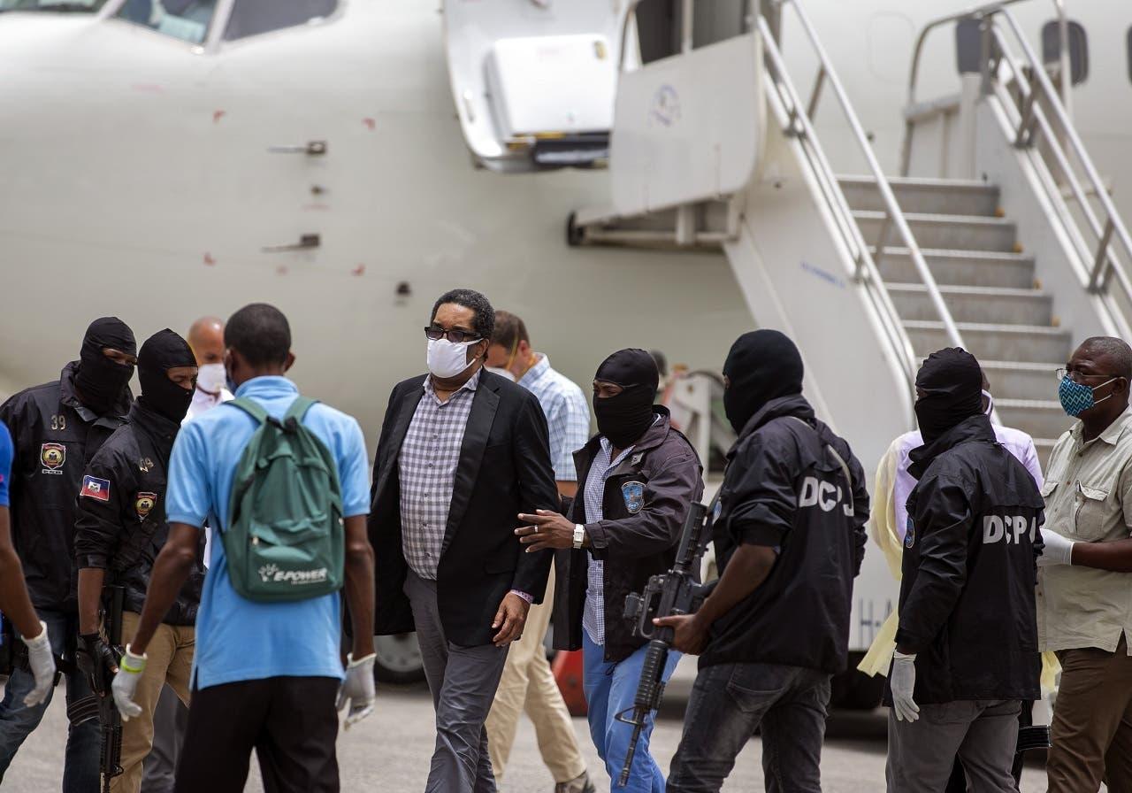 EEUU deporta caudillo paramilitar a Haití