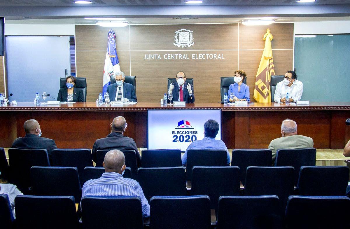 """Castaños Guzmán contesta las elecciones se realizarán de superficie """"estupenda"""""""