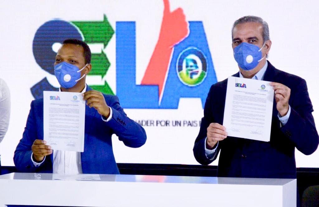 Abinader juramenta 128 movimientos del Sector Externo del Partido País Posible