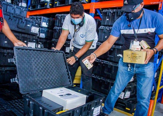 JCE inicia clonado de los 228 escáneres que serán usados en el exterior en elecciones