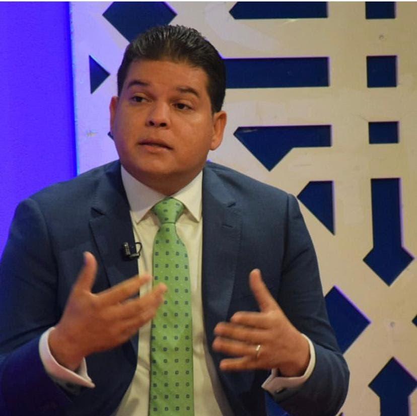 Adriano Abreu Sued: Defenderé derecho de la juventud y la mujer santiaguera a partir del 16 de agosto