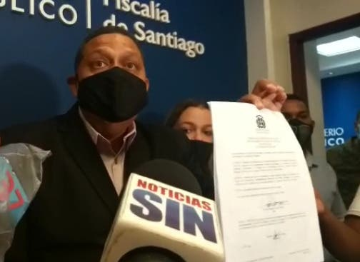 Fiscal de Santiago acusa a regidor del PRM de falsificación y tráfico de armas