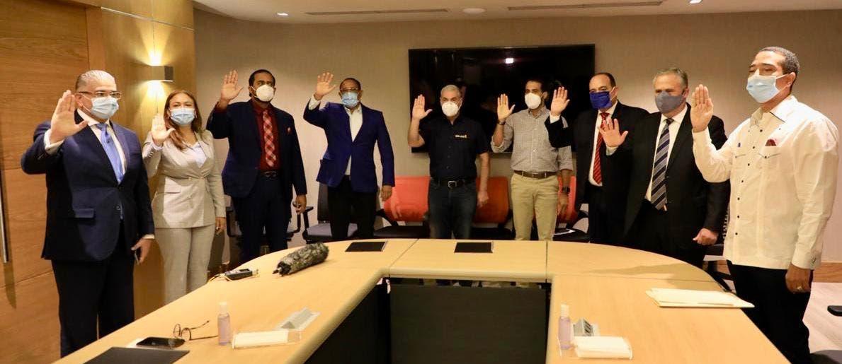 Gonzalo Castillo llama a movimiento de abogados a defender el voto el 5 de julio