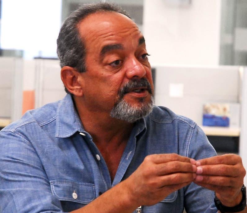 Abinader designa al cineasta Alfonso Rodríguez como cónsul en Los Ángeles