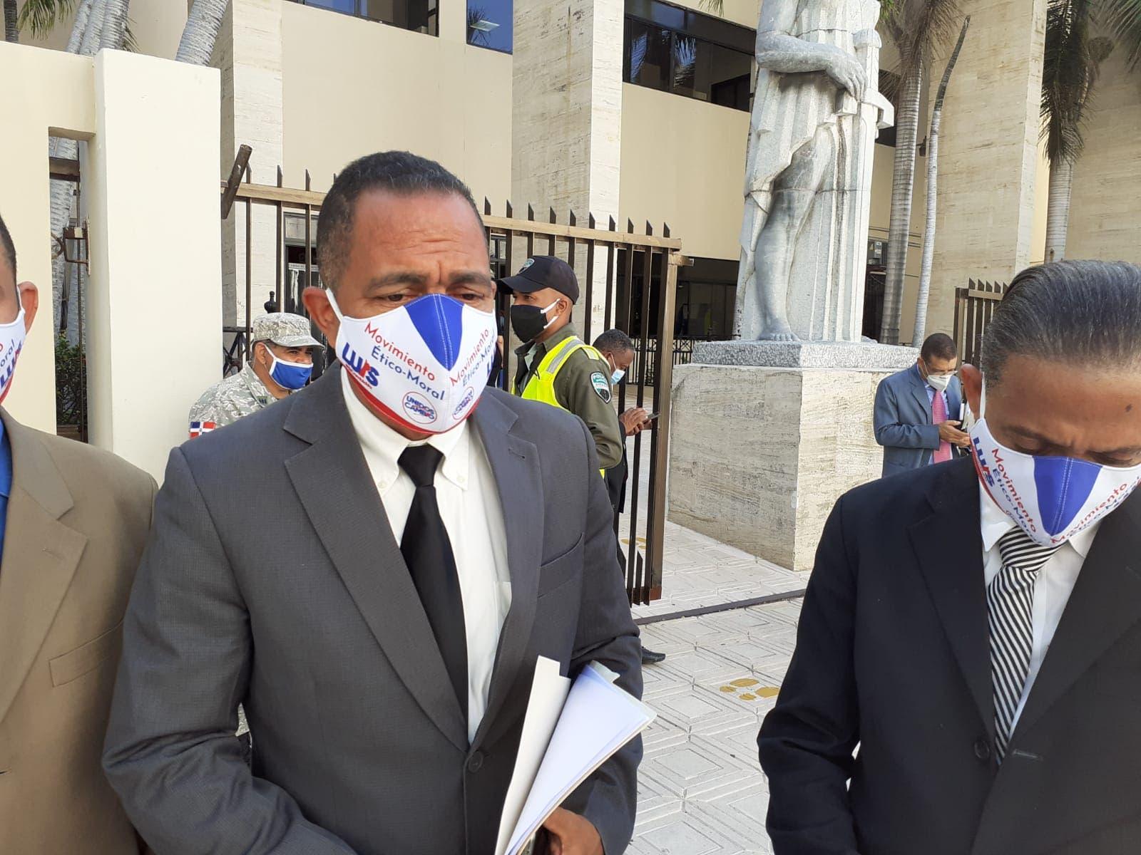 Exalcalde interpone recurso contra ministro de Obras Públicas ante el TSE