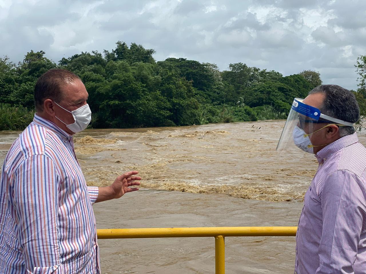 Acueductos CAASD salen de operación por efectos tormenta Isaías