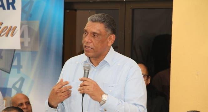 Ministro de Interior y Policía da positivo al Covid-19