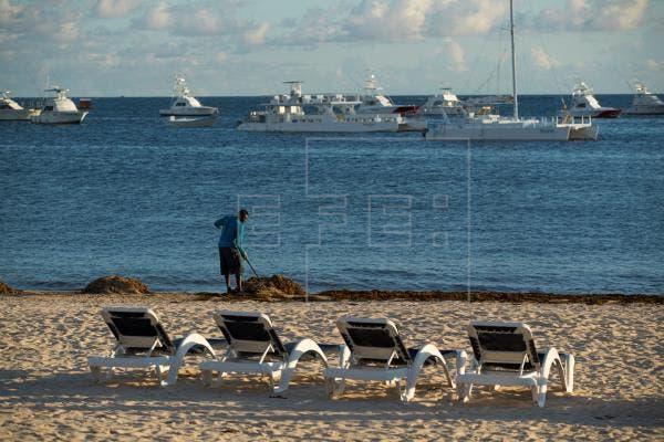 República Dominicana clausura balnearios y playas públicas ante el avance de la pandemia
