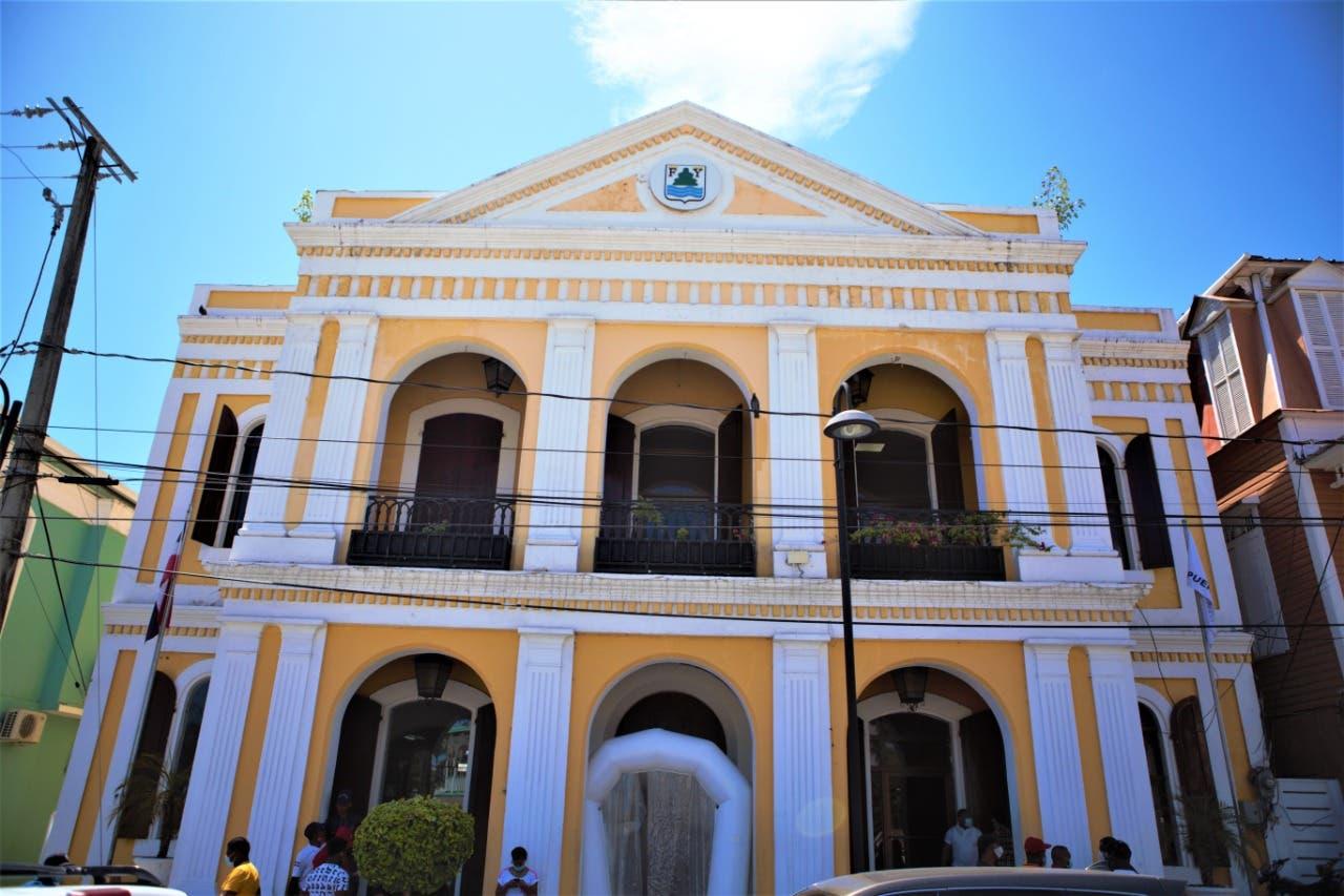 Alcaldía de Puerto Plata cierra parques y balnearios como prevención por coronavirus